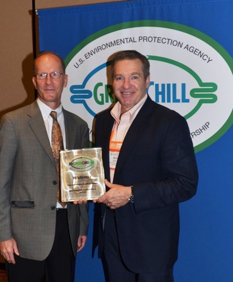 Hillphoenix_GreenChill-Award-925188_EPAs-TomLand And Hillphoenix -Scott-Martin